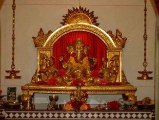 जयंतराव साळगावकर यांनी मालवणमध्ये बांधलेले सुवर्णगणेशाचे सुंदर मंदिर