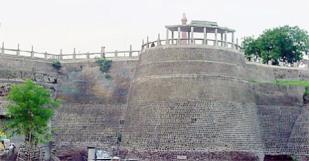 Akola-Fort-300