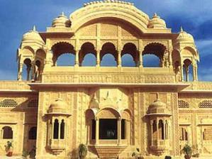 Satara-Palace