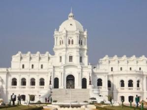 p-2720 - ujjayanta-palace-attraction-tripura-300